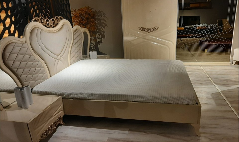 Lady Yatak Odası